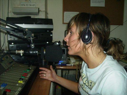 VELVET 54 ABANDONA TEMPORALMENTE LA PARRILLA DE RADIO MAI
